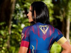 Camisa Super Mulher Bruta  - Manga Curta - Camisa de Ciclismo